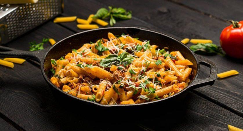 Ricetta pasta con salsiccia