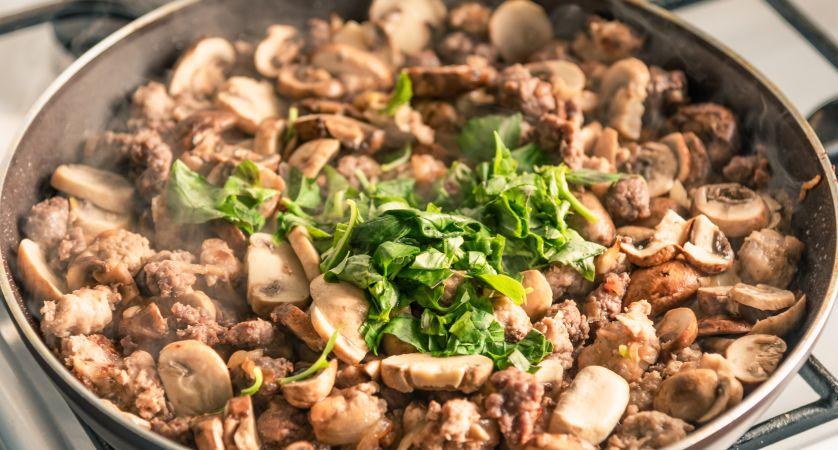 Ricetta funghi e salsiccia
